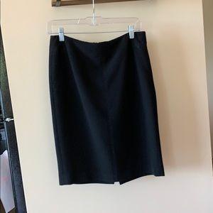 Black pencil skirt - Size 8 - LOFT